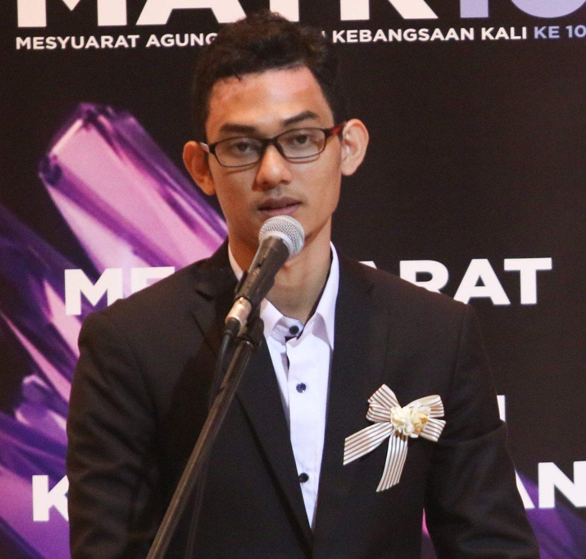 Kelulusan Bahasa Melayu Sahaja adalah Tidak Memadai